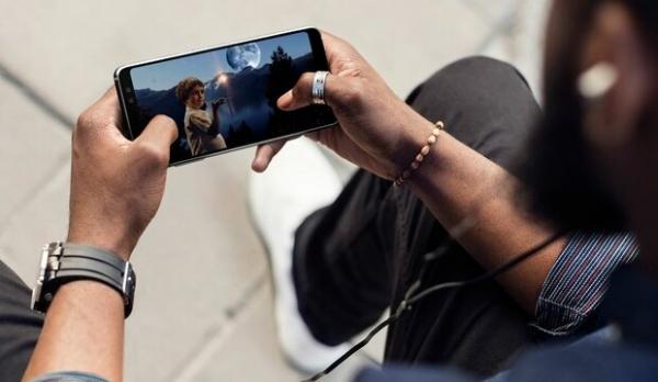 Сравнительный обзор новинок Samsung Galaxy A8 и A8+