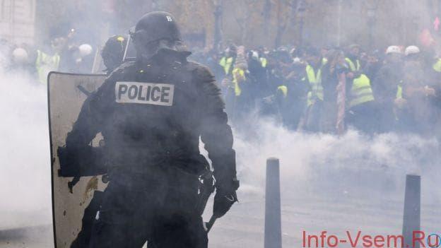 Эммануэль Макрон объявил чрезвычайное положение: ЧП во Франции, требования жёлтых жилетов, причины